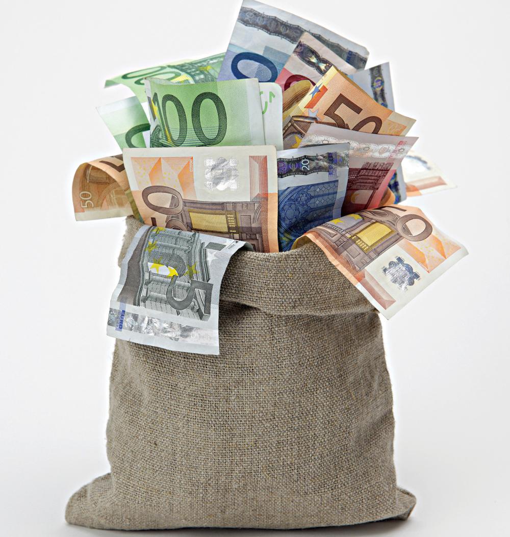 Ponovo 100 evra građanima? Stiže novi paket pomoći države